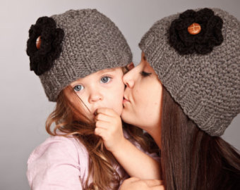 fr. mom and daughter berets